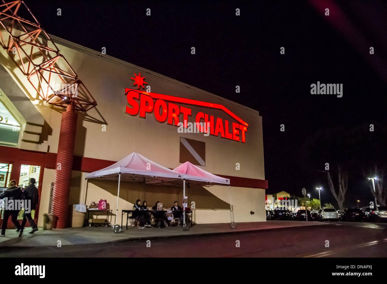 Sporting Goods Store Stock Photos & Sporting Goods Store Stock ...