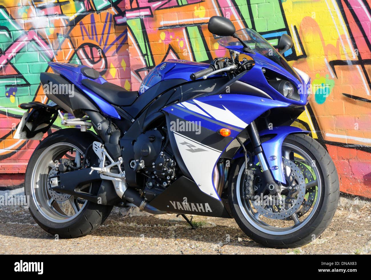2009 Yamaha YZF-R1 motorcycle Stock Photo: 64779011 - Alamy