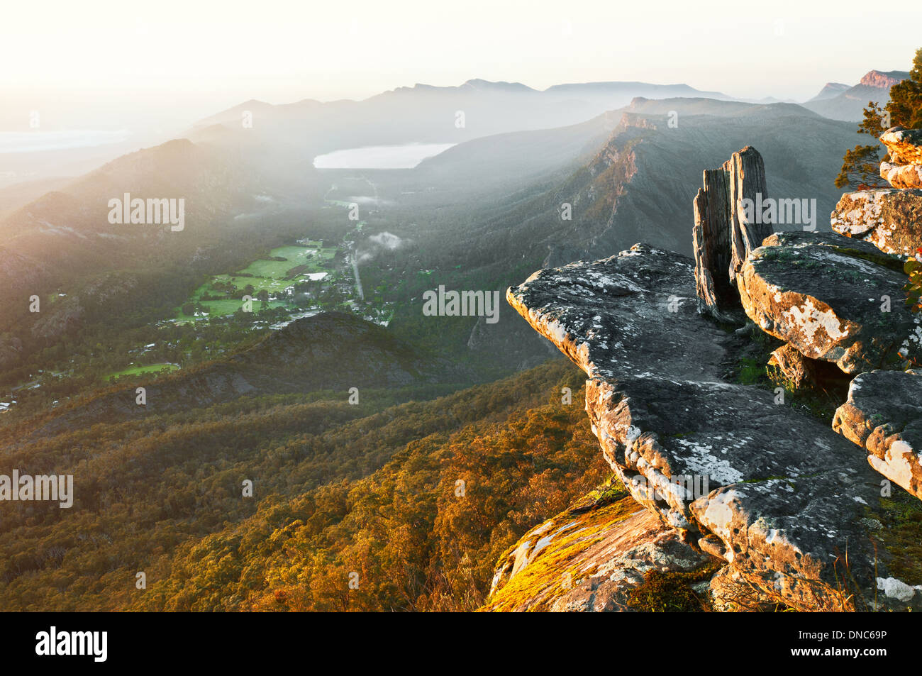 View on Halls Gap and the eastern Grampians. - Stock Image