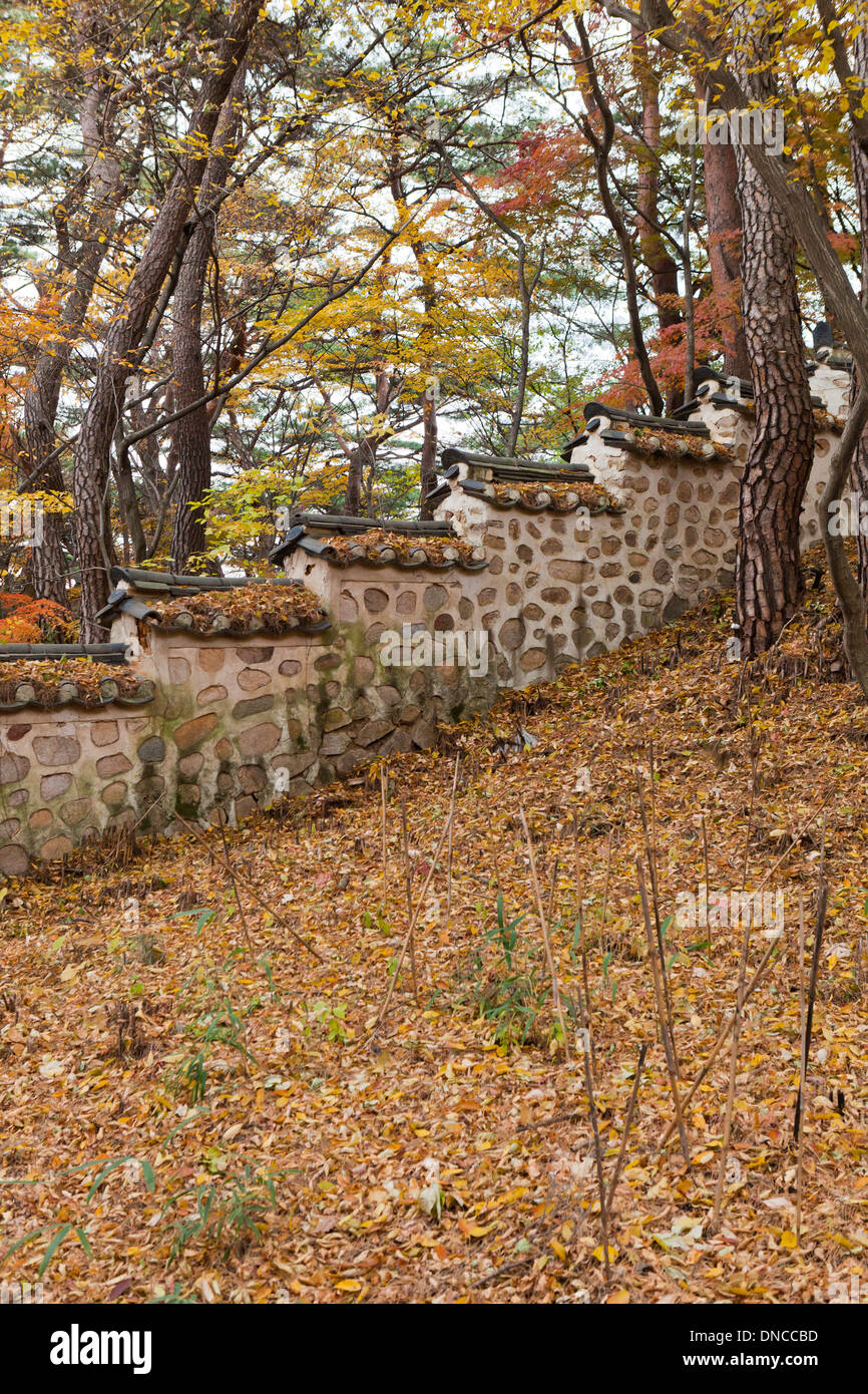 Stonewalls in the traditional Hanok style - Gyeongju, South Korea - Stock Image