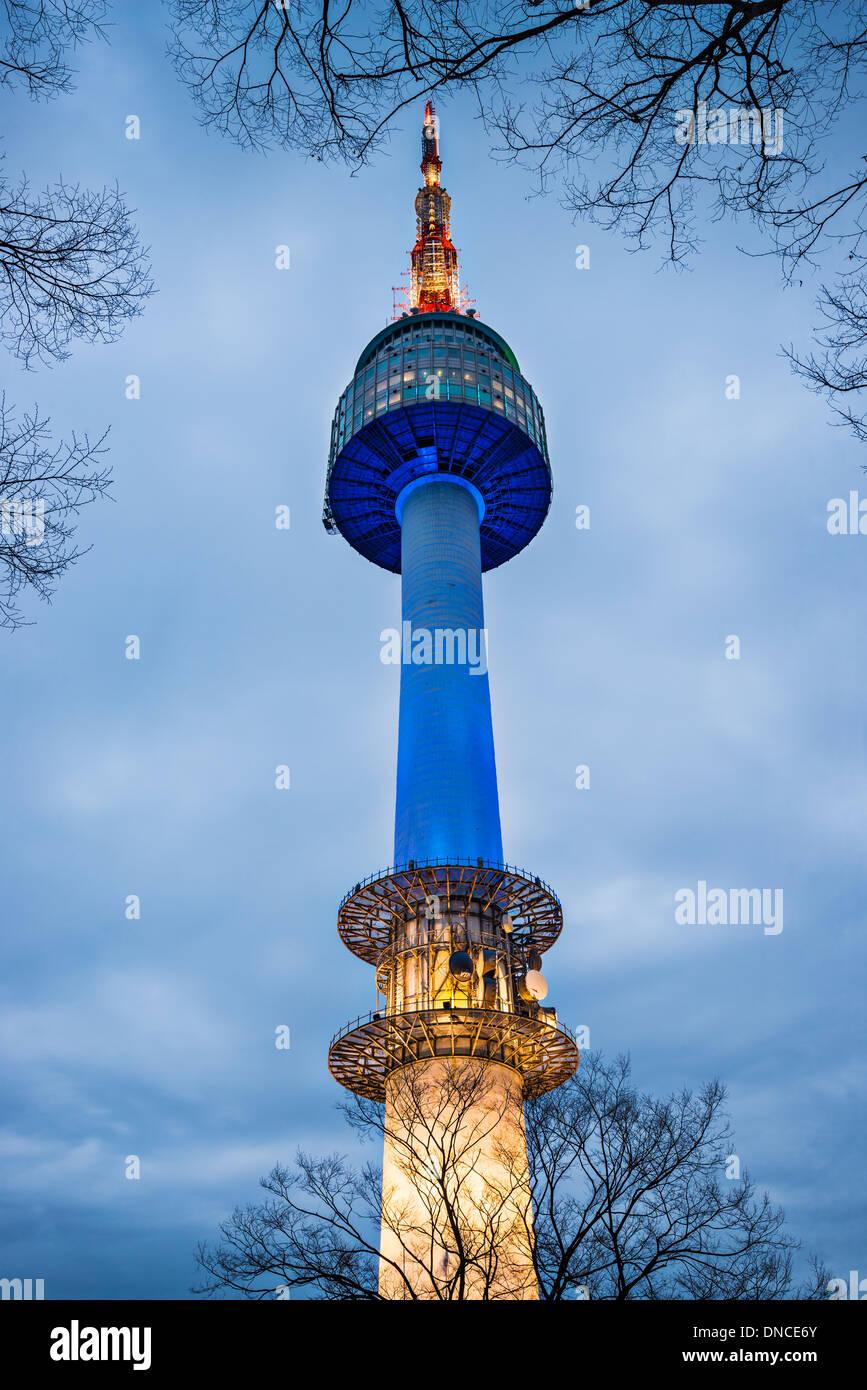 N Seoul Tower in on Namsan Mountain in Seoul, South Korea. - Stock Image