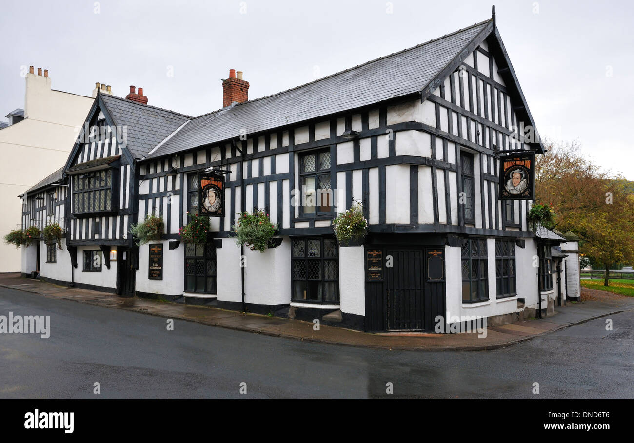 The Queens Head Inn, St. James Street, Monmouth, Wales - Stock Image