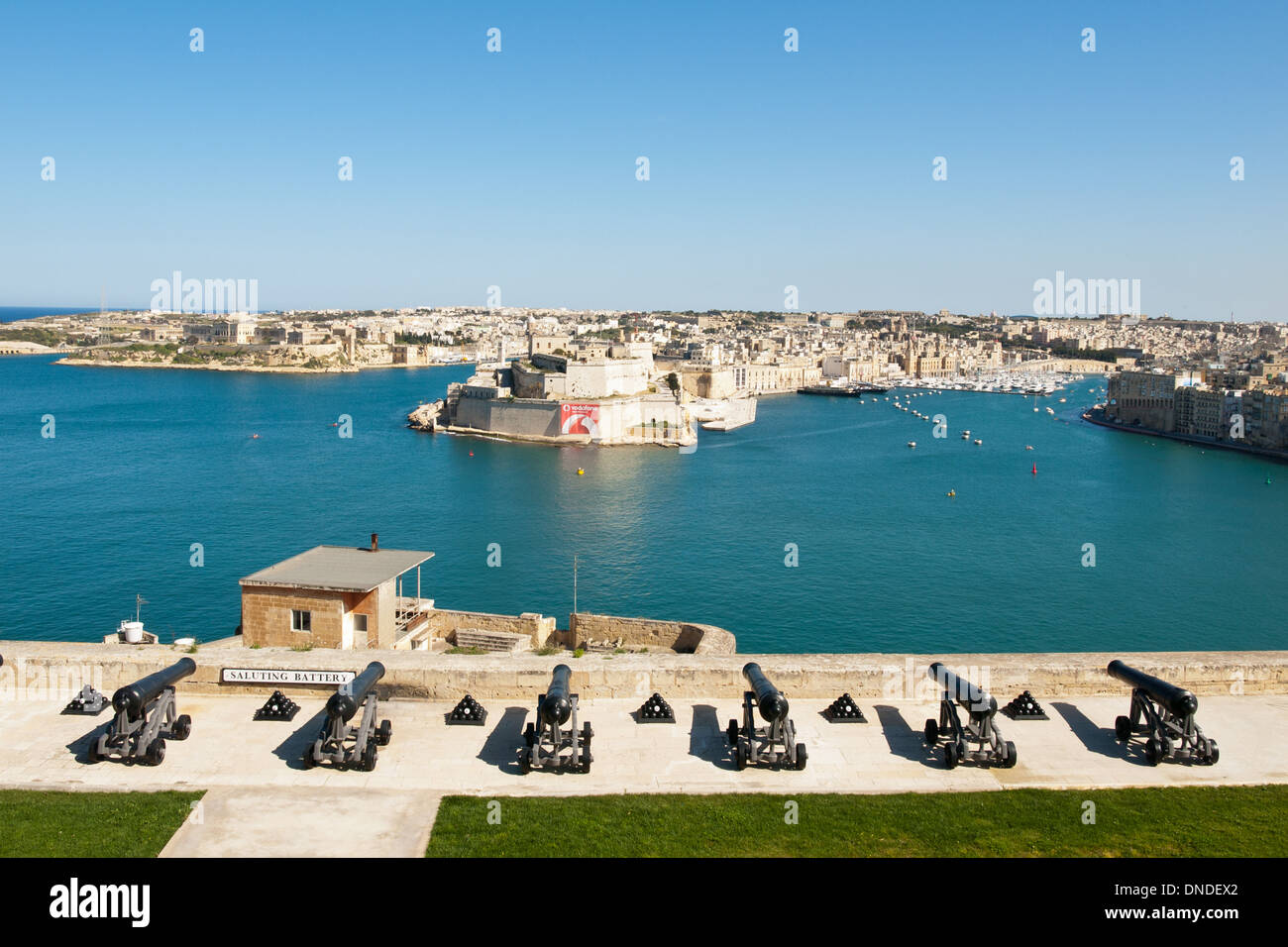 A view of the Saluting Battery of cannons at the Upper Barrakka Gardens in Valletta, Malta. - Stock Image