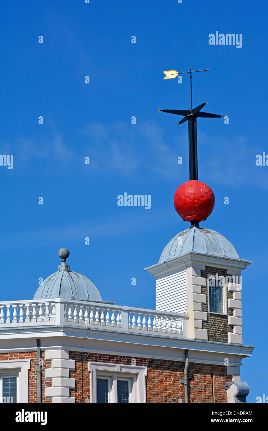 Red time ball Royal Observatory Greenwich enabled navigators to verify their marine chronometers from their ships on the Thames - Stock Image