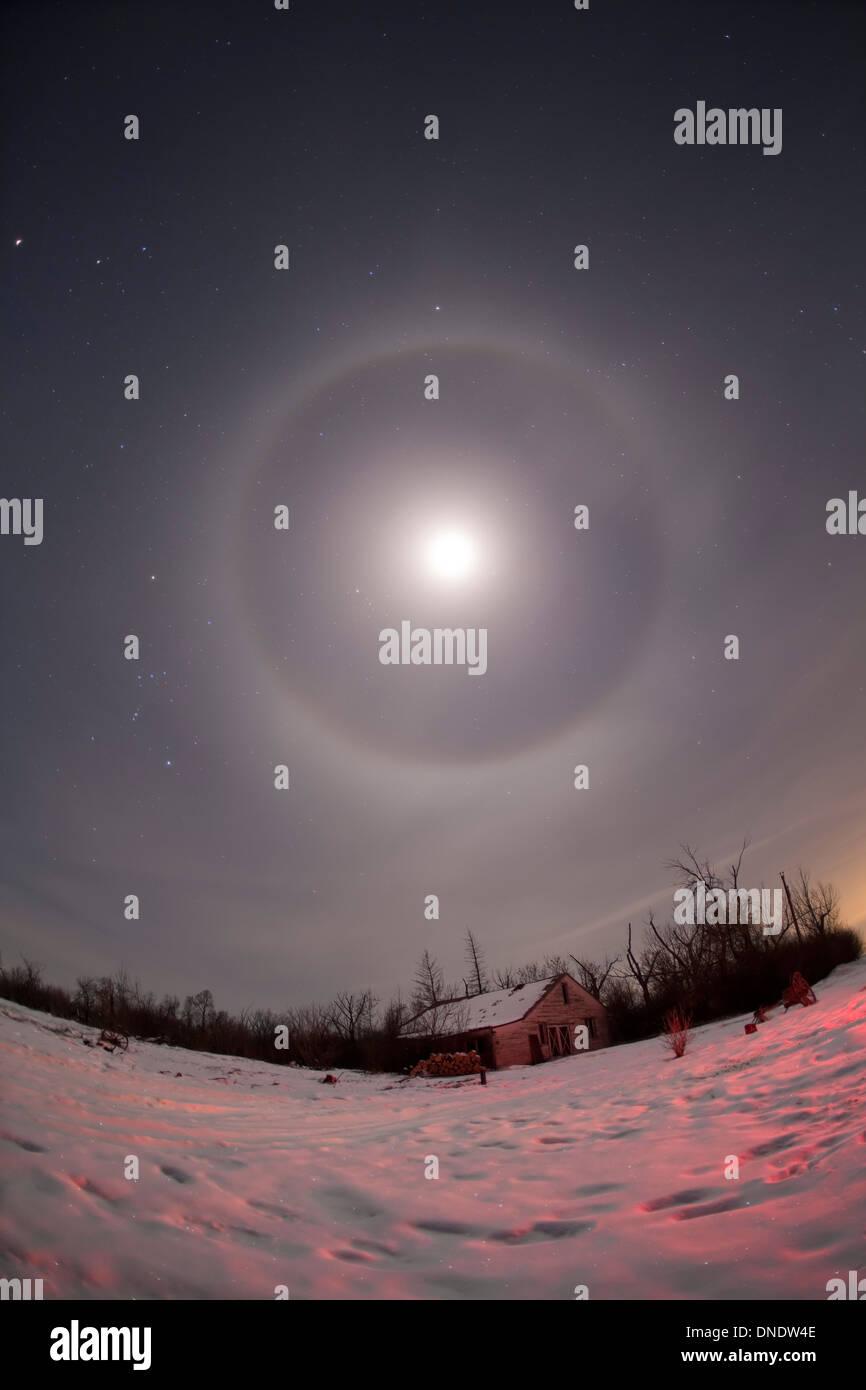 February 21, 2010 - Lunar halo taken near Gleichen, Alberta, Canada. - Stock Image