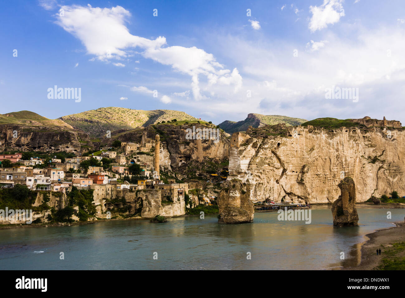 Hasankeyf, a historical Kurdish town by the Tigris river, threatened to vanish underwater - Stock Image