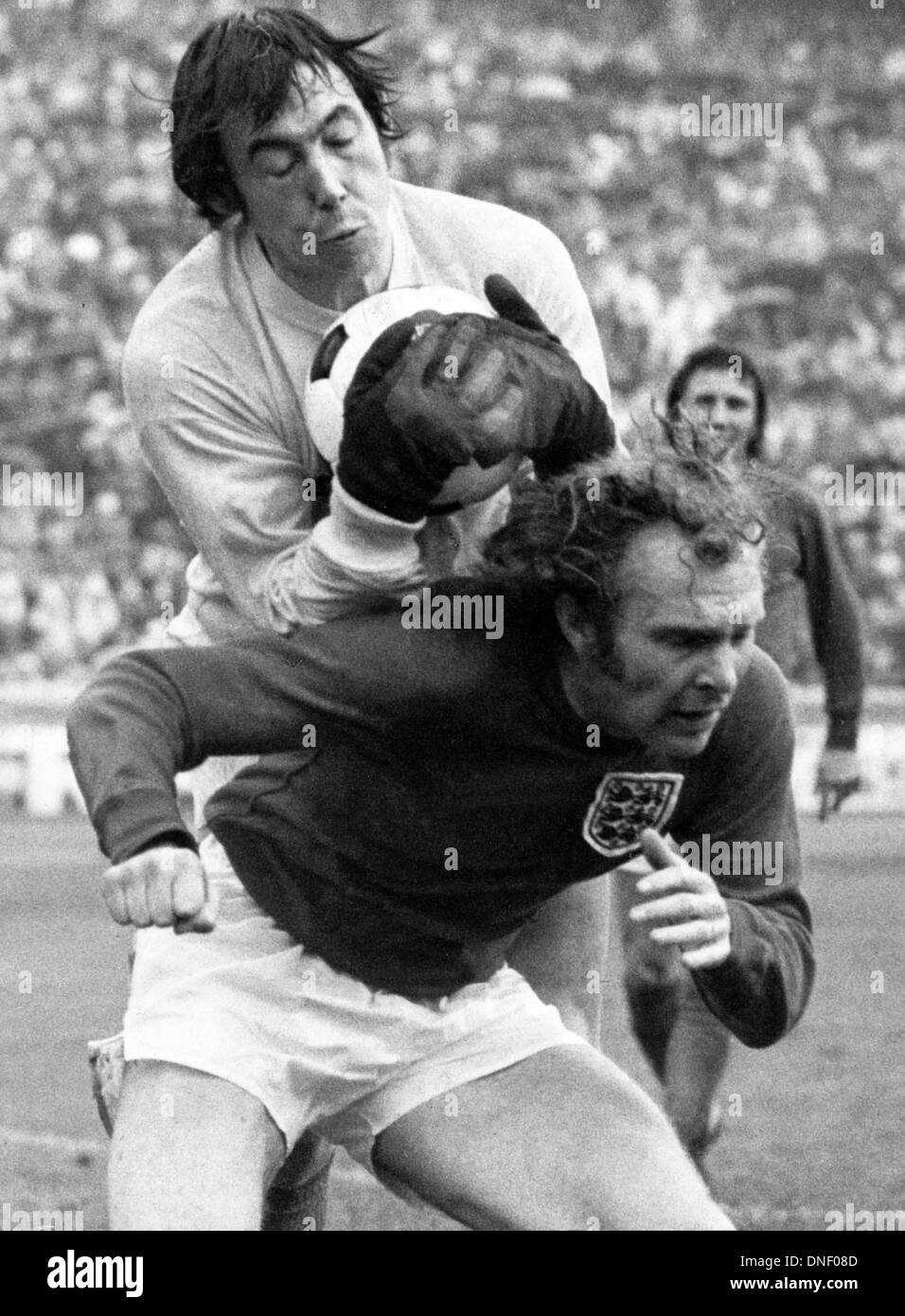13.05.1972 Berlin, Germany. Goalie Gordon Banks collects the ball over the back of captain Bobby Moore (England) 1972 European championships quarter final - Stock Image