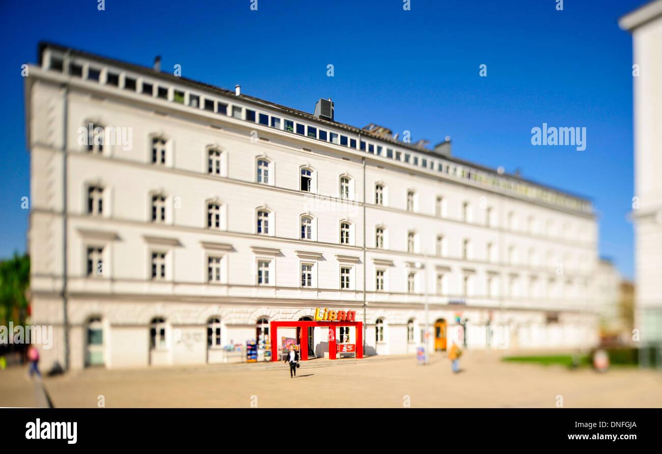 Libro Filiale, Wien Ottakring, Geschäft, Tilf-Shift-Aufnahme, Tabakfabrik Stock Photo