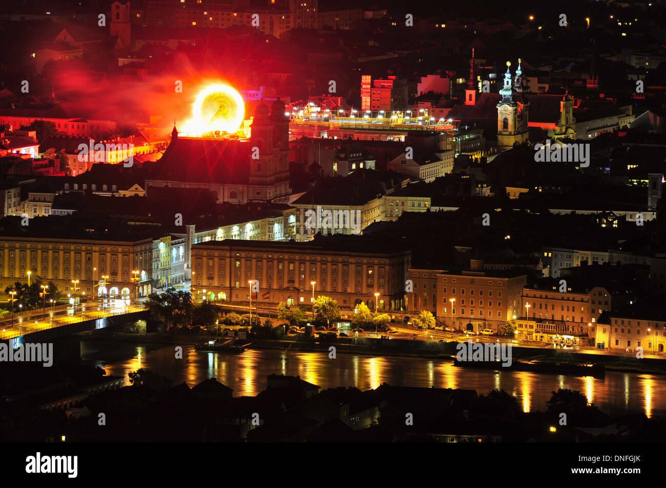Blick vom Pöstlingberg auf Linz, Stadtansicht, Höhenrausch, Kulturhauptstadt 2009, Donau, - Stock Image