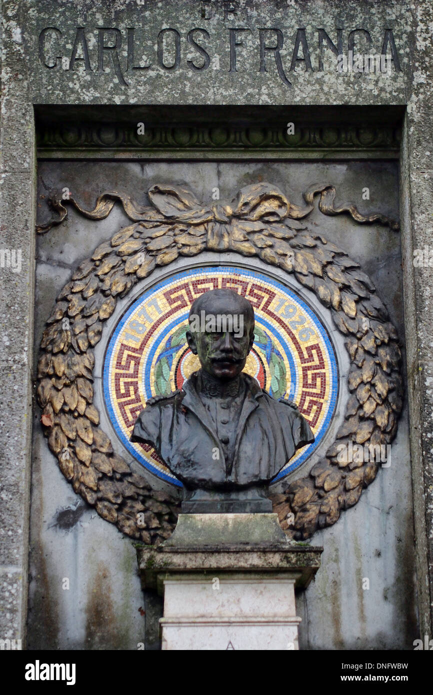 Bronze bust statue of Carlos Franca in Sintra Portugal - Stock Image