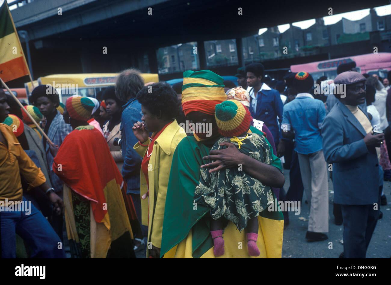 Rastafarian mother and child. Notting Hill 1970s London UK  HOMER SYKES - Stock Image