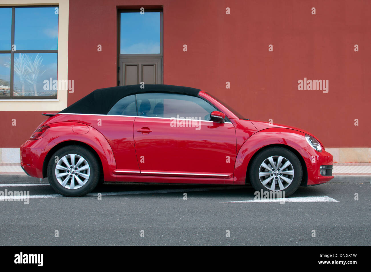 Red Vw Beetle High Resolution Stock Photography And Images Alamy