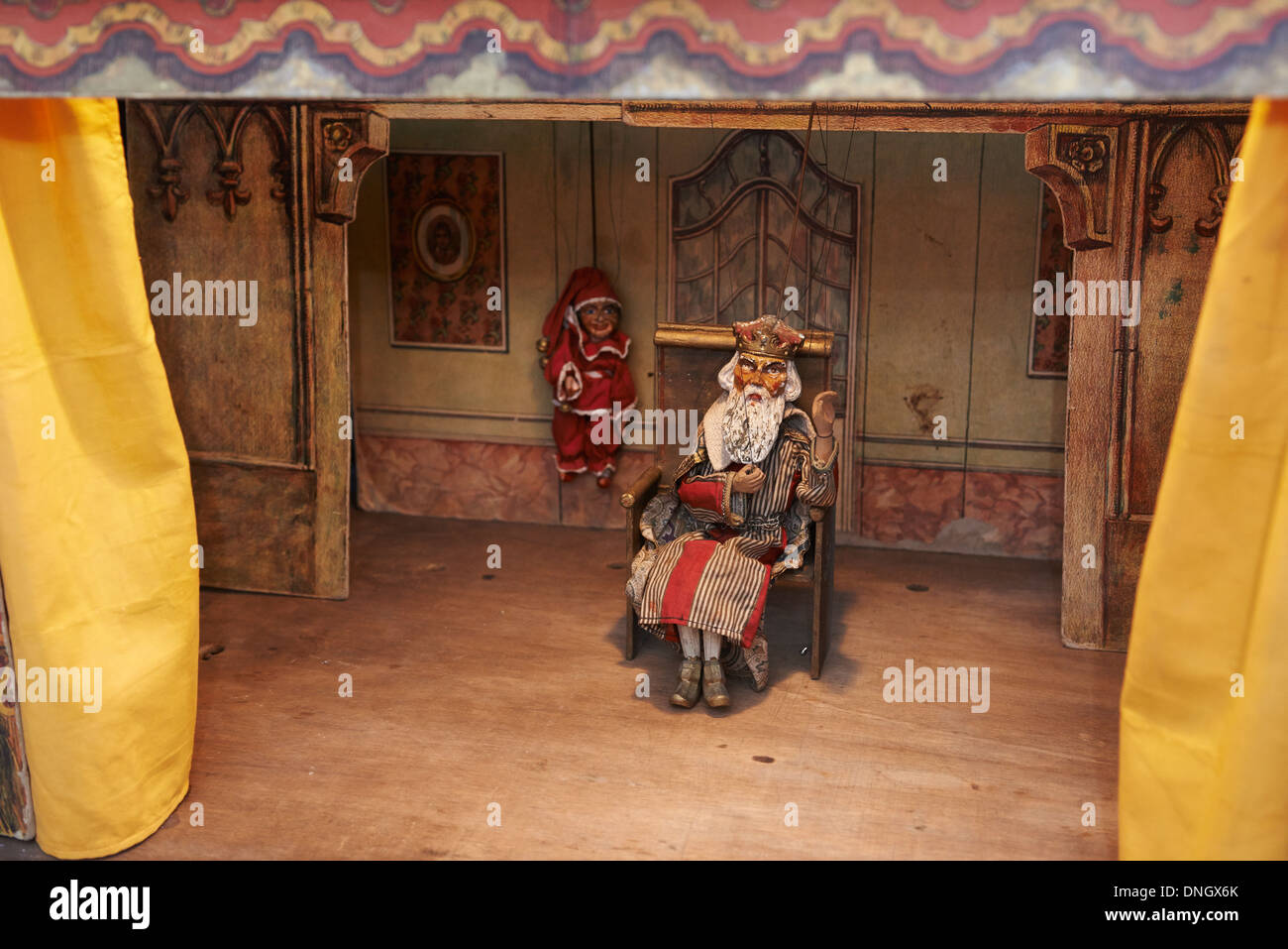 Vintage puppet theater - show - Kasperle and king - Stock Image