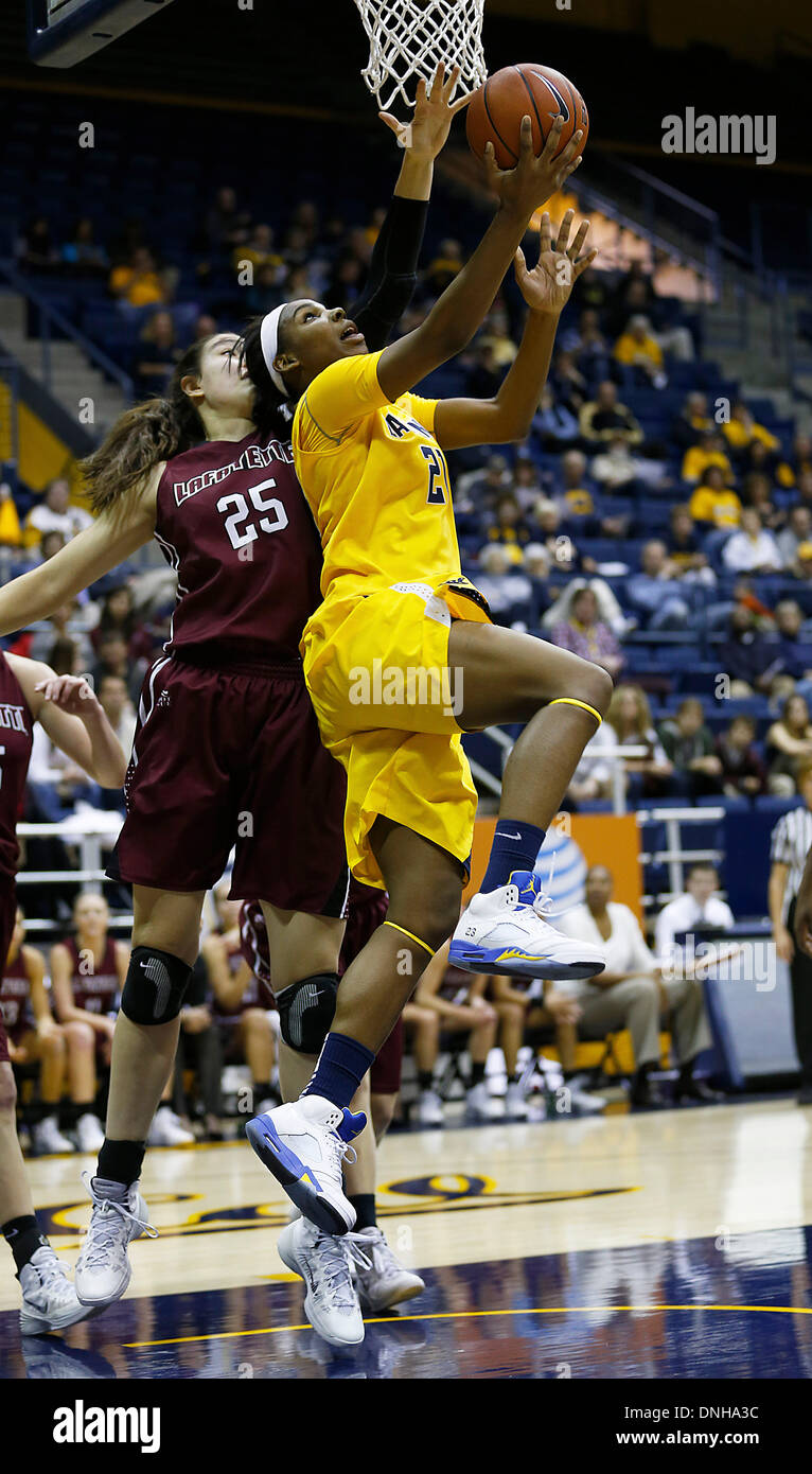 Berkeley, CA, USA. 29th Dec, 2013. Dec 29 2013 - Berkeley CA USA California Bears F # 21 Reshanda Gray drive pass Lafayette #25 Maia Hood with a reverse layup under the hoop and score during NCAA Womens Basketball game between Lafayette College Leopards and California Golden Bears at Hass Pavilion Berkeley Calif © csm/Alamy Live News - Stock Image
