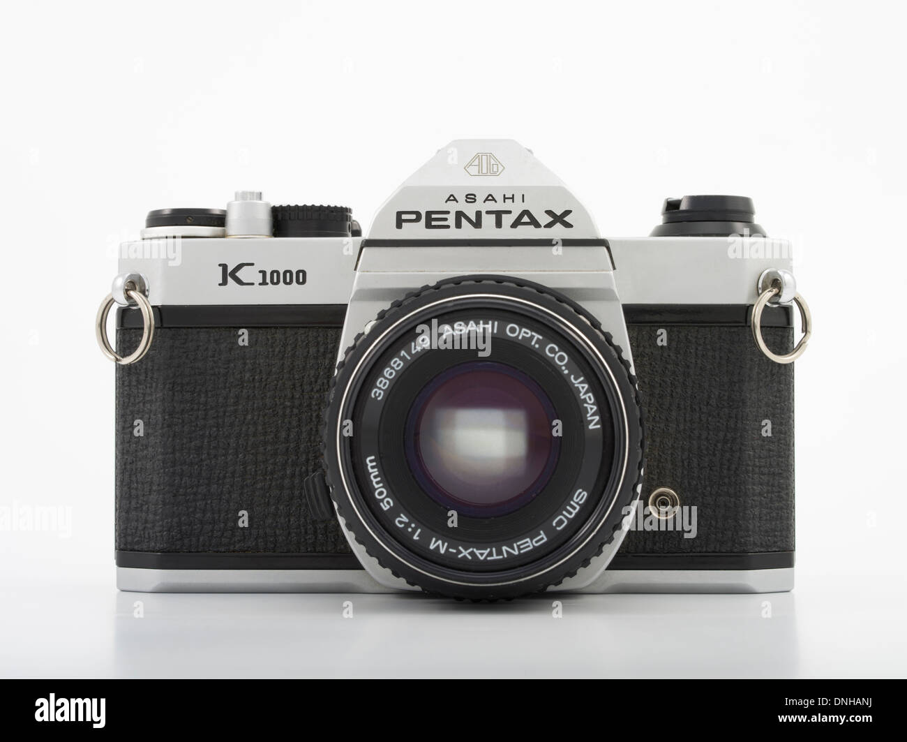 Asahi Pentax K1000 35mm SLR film camera. 1976 Made in Japan Asahi Optical Co., Ltd. Stock Photo