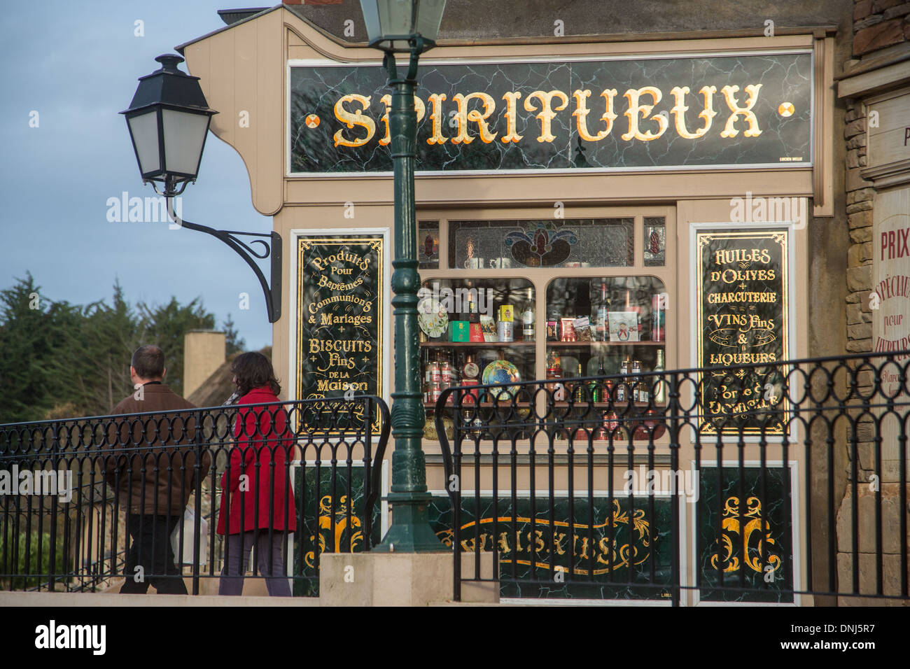 GROCERY SHOP, OLD-FASHIONED STREET DECOR WITH STORE FACADES FROM THE PREWAR PERIOD, MAISON DU BISCUIT, SORTOSVILLE - Stock Image