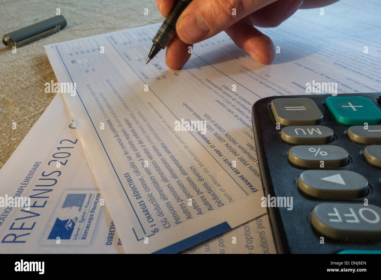2012 INCOME TAX RETURNS FOR INDIVIDUALS (DEDUCTIBLE EXPENSES, PENSIONS, RETIREMENT PLANS) - Stock Image