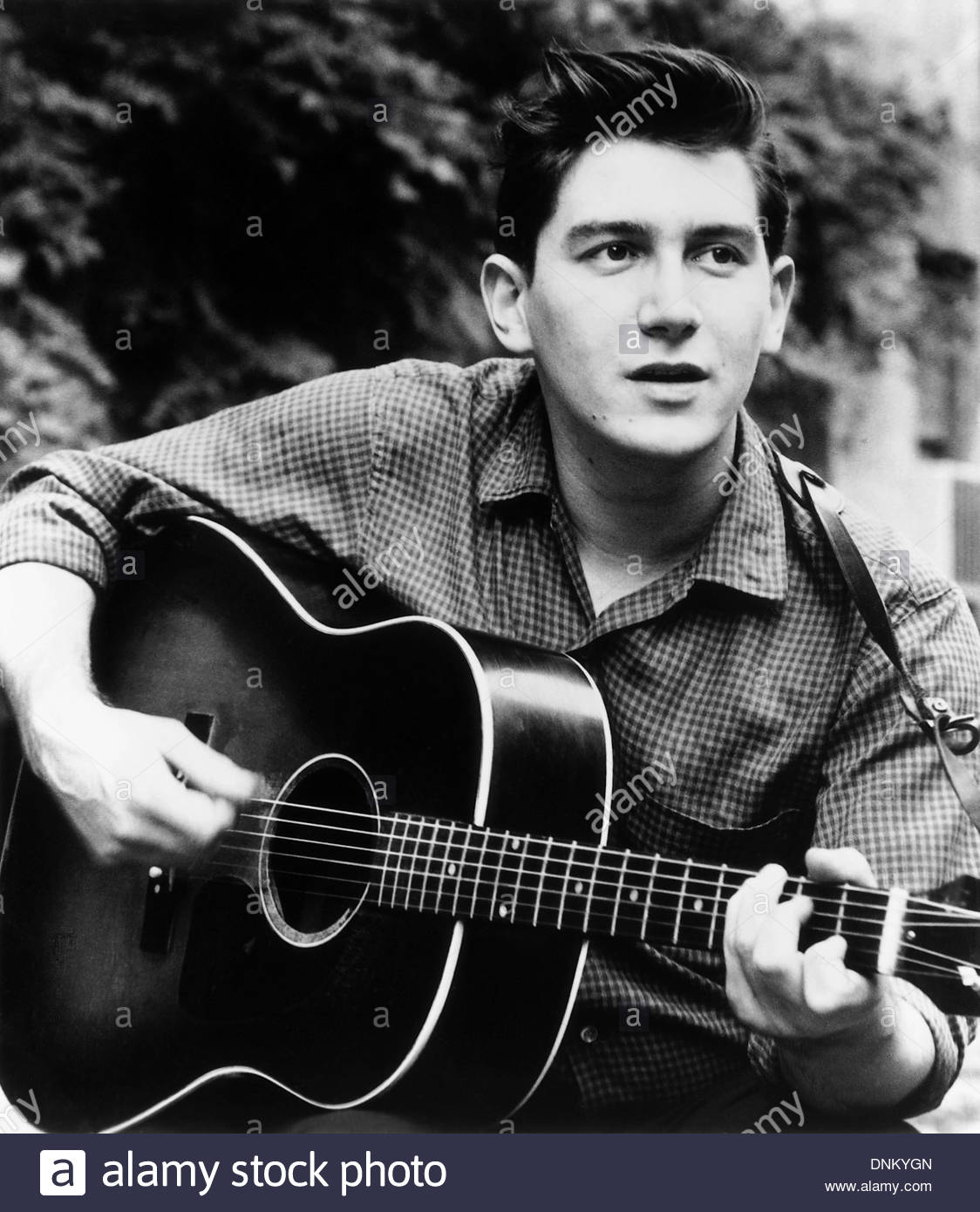 PHIL OCHS - circa 1963 -Courtesy Granamour Weems Collection.  Editorial use only. - Stock Image