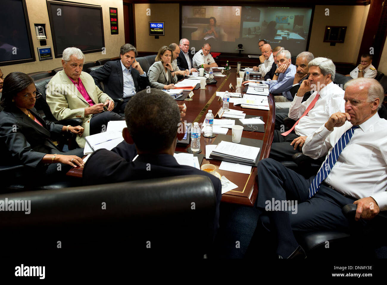 US President Barack Obama meets in the Situation Room with his Stock ...