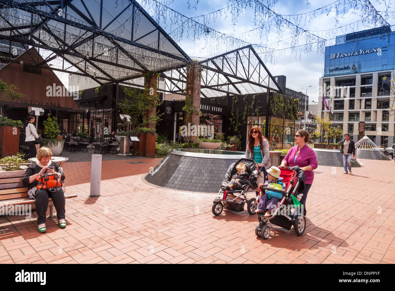 Britomart Mall, Auckland, two young mothers with strollers. - Stock Image