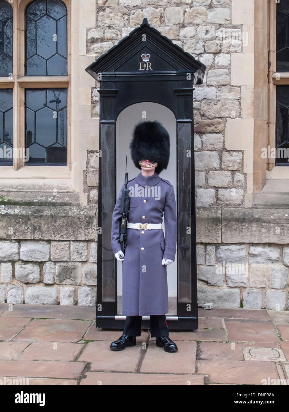 a8076d5d214 Queen s Guard Hat Stock Photos   Queen s Guard Hat Stock Images - Alamy