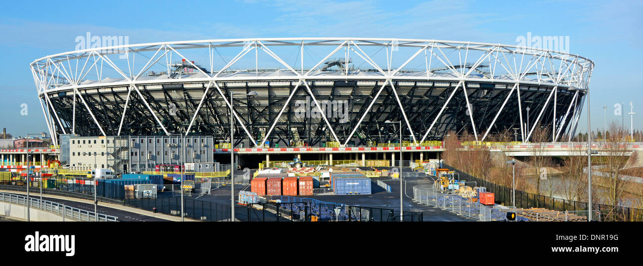 Iconic floodlight towers gone from London 2012 Olympic stadium as part of the legacy conversion project for West Ham football - Stock Image