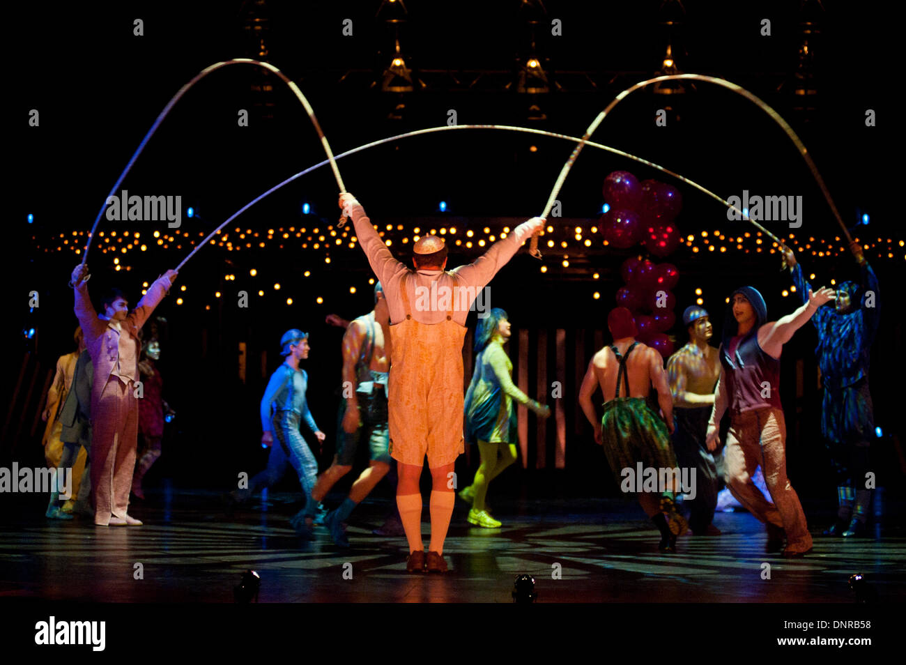 London, UK - 4 Janaury 2014: Notihisa Taguchi, Kata Banhegyi and House Troupe perform during the Skipping Ropes act during the dress rehearsal of Quidam at the Royal Albert Hall. (available only for editorial coverage of the Production) Credit:  Piero Cruciatti/Alamy Live News - Stock Image