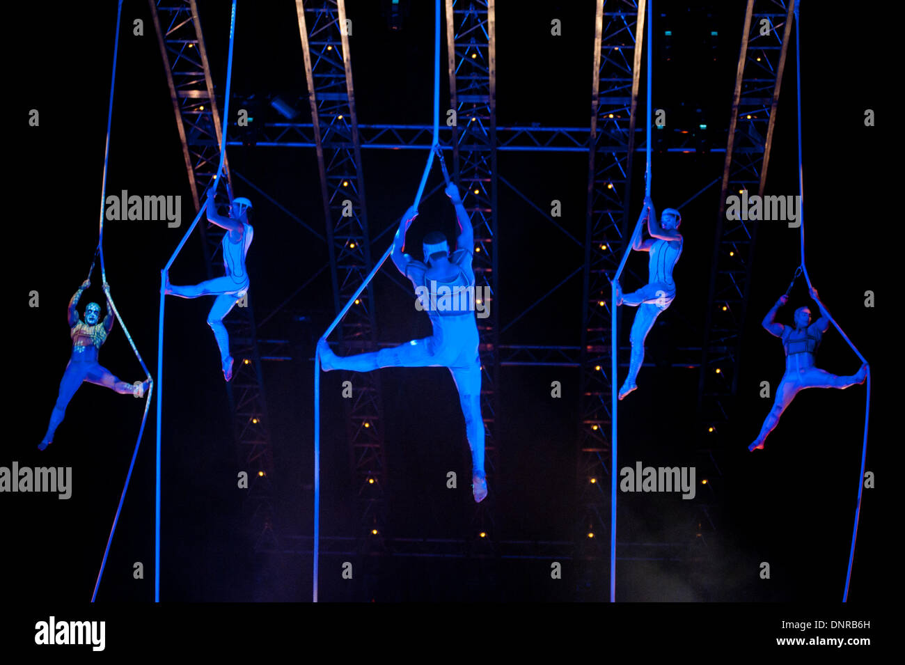London, UK - 4 Janaury 2014: the Spanish webs act during the dress rehearsal of Quidam at the Royal Albert Hall. (available only for editorial coverage of the Production) Credit:  Piero Cruciatti/Alamy Live News - Stock Image
