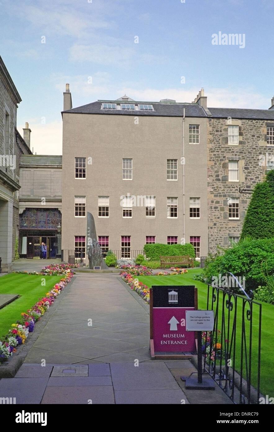 Surgeons' Hall Museums, The Royal College of Surgeons of Edinburgh, Nicholson Street, Edinburgh, Scotland, UK - Stock Image