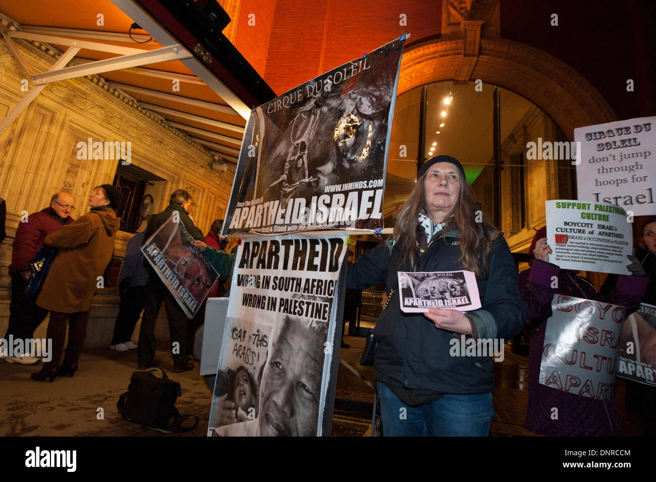 Royal Albert Hall, London, UK. 4th January 2014. Protesters demonstrated outside the Royal Albert Hall before Cirque de Soleil were due to perform. The activists are against the circus troupe performing in Tel Aviv later this year breaching the Palestinian call for a cultural boycott of Israel. Credit:  Lee Thomas/Alamy Live News - Stock Image