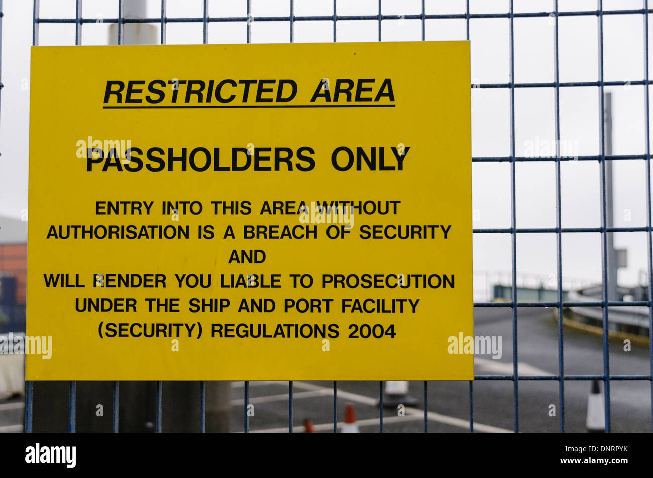 Sign at a port advising the area is restricted - Stock Image