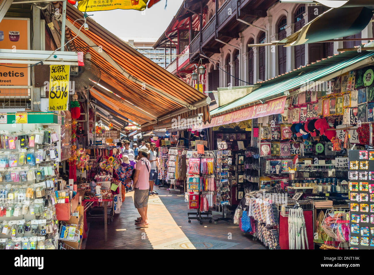 8fb641050 Shops in Chinatown, Singapore Stock Photo: 65066783 - Alamy