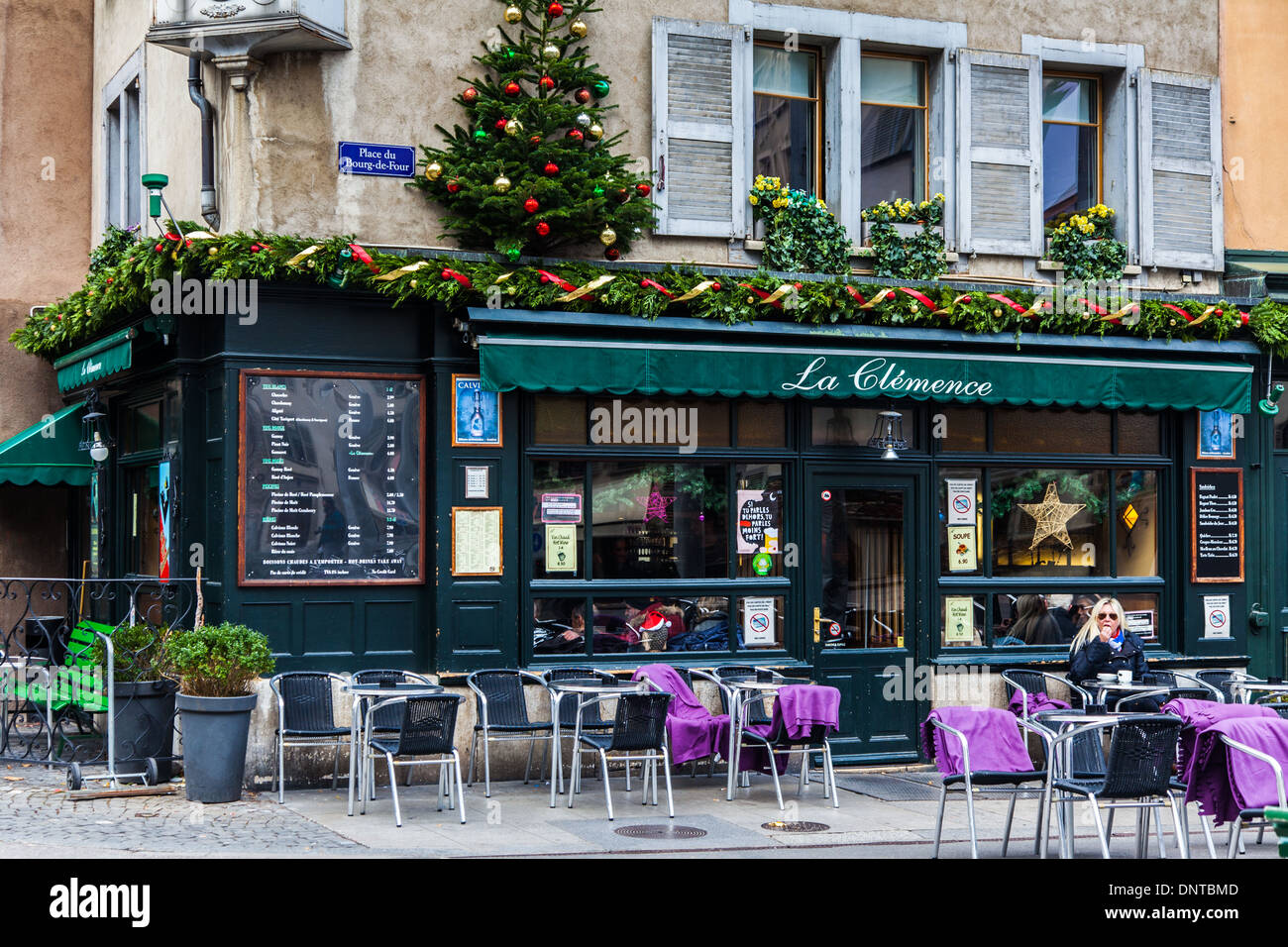 The very popular La Clemence coffee shop and bar in the Old Town of Geneva, Switzerland - Stock Image