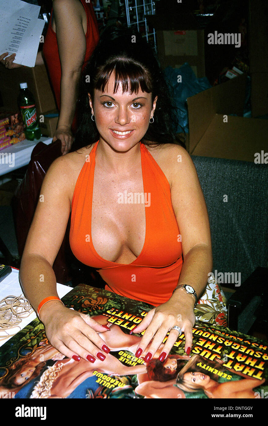 June 12 2002 Los Angeles Ca Usa K25241eg Erotica L A 2002 Fan Convention Los Angeles Convention Center La Ca  Jewel Denyle