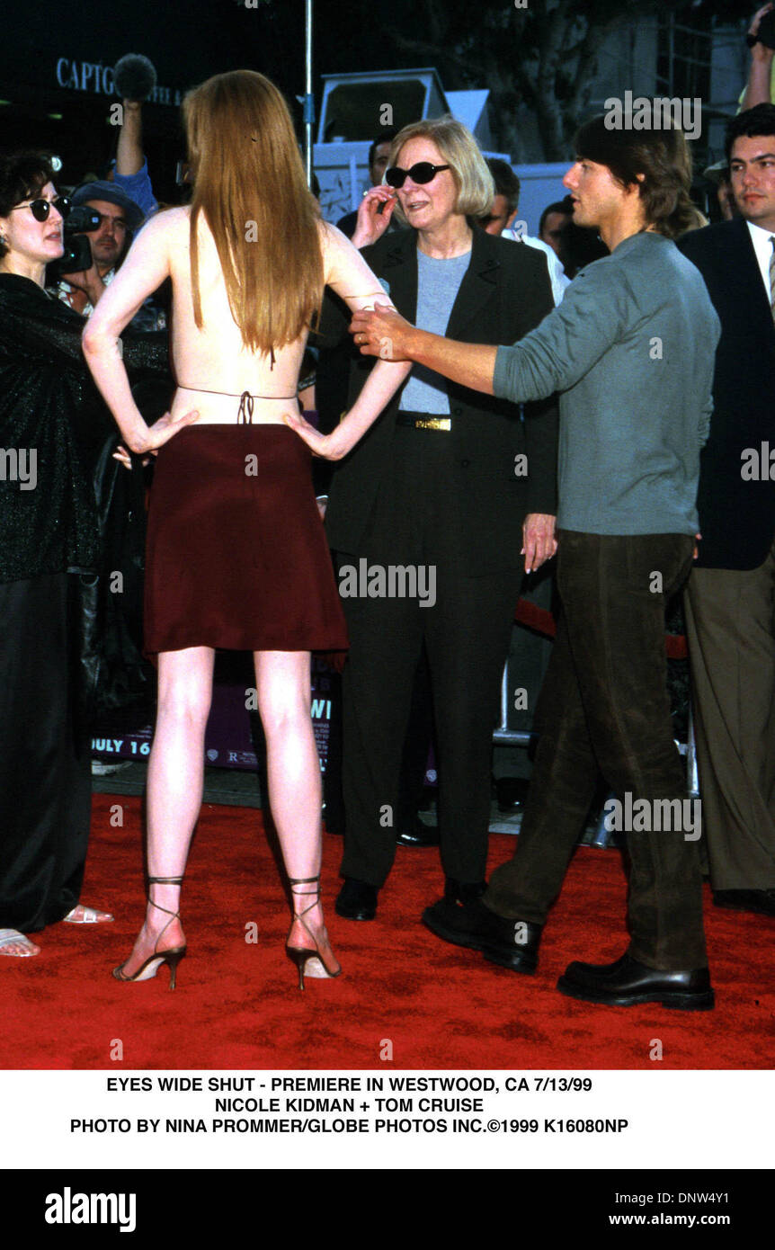 July 13, 1999 - EYES WIDE SHUT-PREMIERE IN WESTWOOD, CA. 7/31/99.NICOLE KIDMAN & TOM CRUISE. NINA PROMMER/   1999.K16080NP(Credit Image: © Globe Photos/ZUMAPRESS.com) - Stock Image