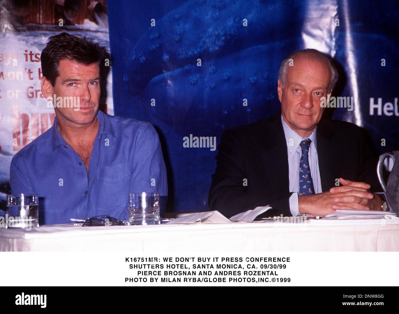 Sept. 30, 1999 - K16751MR: WE DON'T BUY IT PRESS CONFERENCE.SHUTTERS HOTEL, SANTA MONICA, CA.  09/30/99.PIERCE BROSNAN AND ANDRES ROZENTAL. MILAN RYBA/   1999(Credit Image: © Globe Photos/ZUMAPRESS.com) - Stock Image