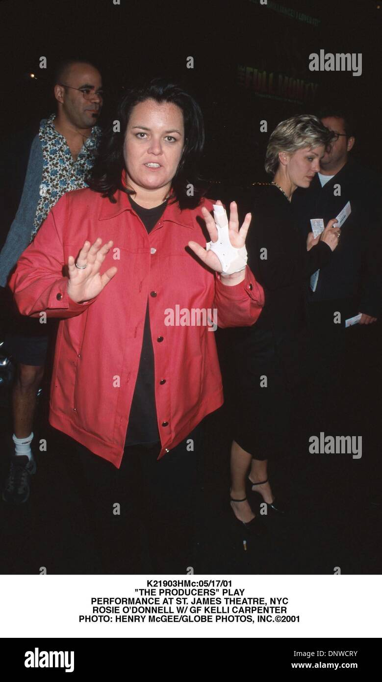 May 17, 2001 - K21903HMc:05/17/01.''THE PRODUCERS'' PLAY.PERFORMANCE AT ST. JAMES THEATRE, NYC.ROSIE O'DONNELL W/ GF KELLI CARPENTER. HENRY McGEE/   2001(Credit Image: © Globe Photos/ZUMAPRESS.com) - Stock Image
