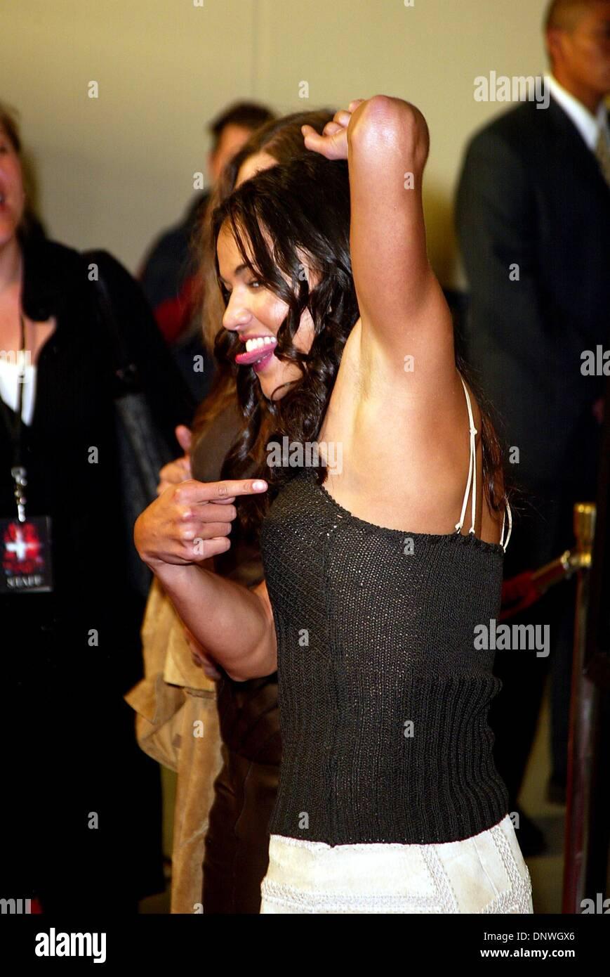 Mar 12 2002 Michelle Rodriguez Premiere Resident Evil Manna S