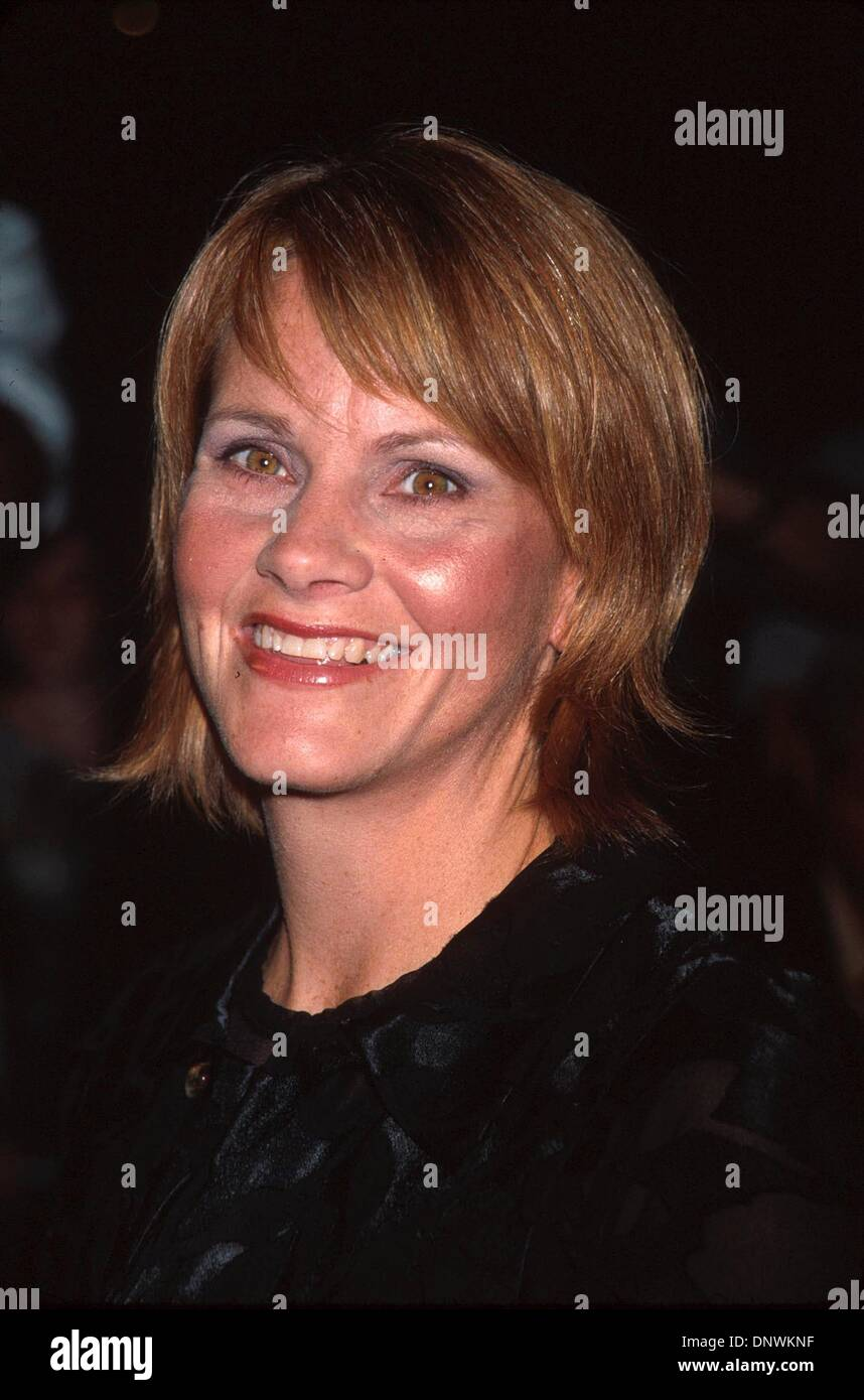 Oct. 4, 2001 - K23034AR:  10/3/01.''SERENDIPITY'' FILM PREMIERE AT THE ZIEGFELD THEATRE, NYC.SHAWN COLVIN. ANDREA RENAULT/   2001(Credit Image: © Globe Photos/ZUMAPRESS.com) - Stock Image
