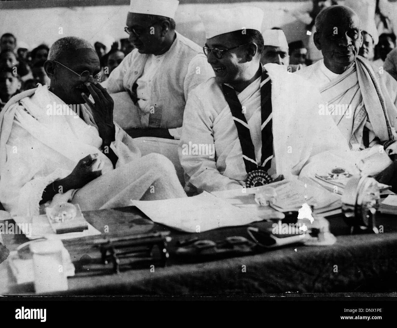 May 6, 1931 - Delhi, India - Religious leader MAHATMA GANDHI attending the 51st Indian National Congress. (Credit Image: © KEYSTONE Pictures USA/ZUMAPRESS.com) - Stock Image