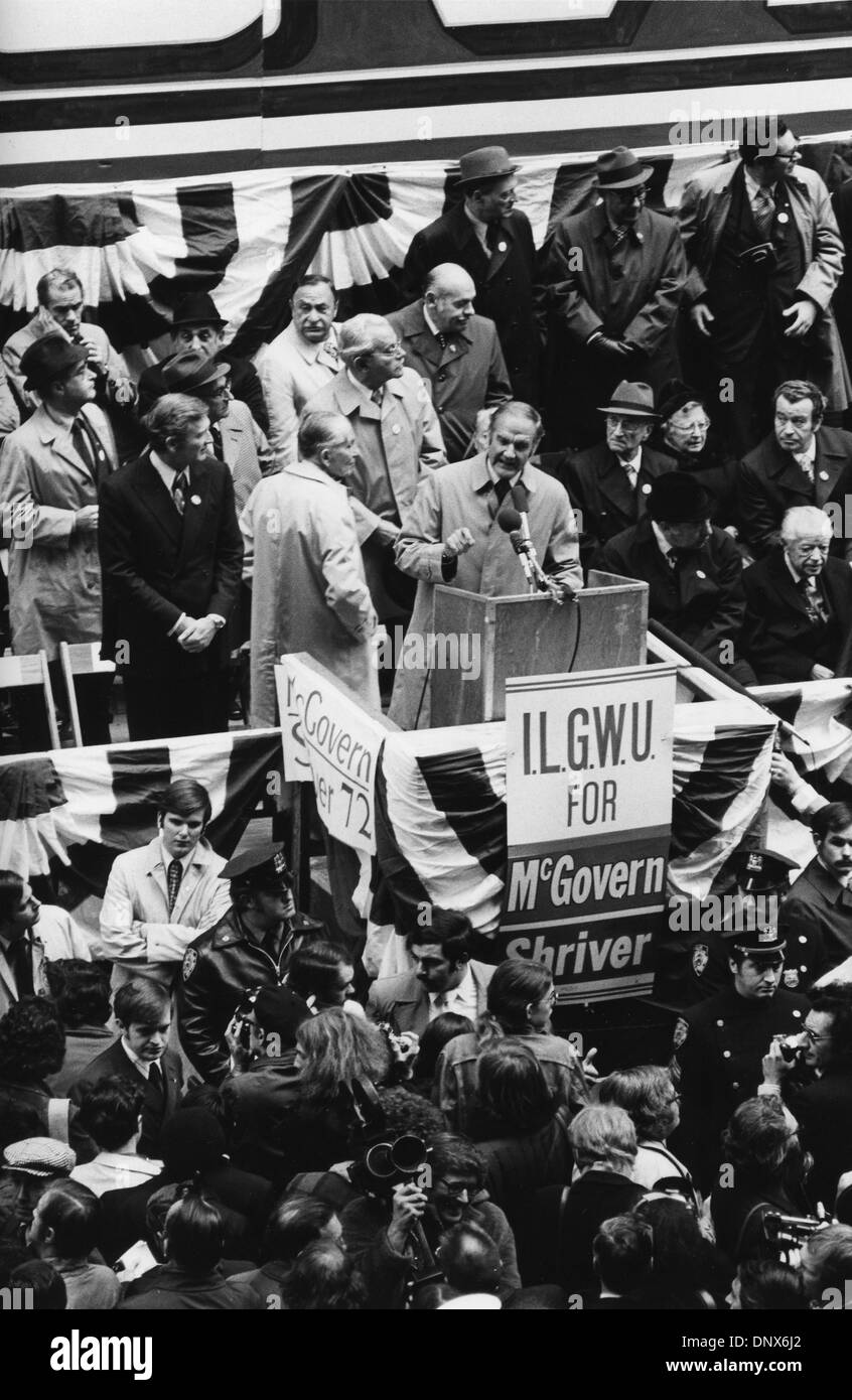 Nov. 1, 1972 - New York, NY, U.S. - Senator GEORGE MCGOVERN makes the traditional late-campaign visit to New York's garment district and gave a speech to over 20,000 people. Along with him on the platform were ROGERT WAGNER, LOUIS STULBERG, JEAN WESTWOOD and Senator EDWARD KENNEDY. (Credit Image: © KEYSTONE Pictures USA/Zumapress.com) - Stock Image