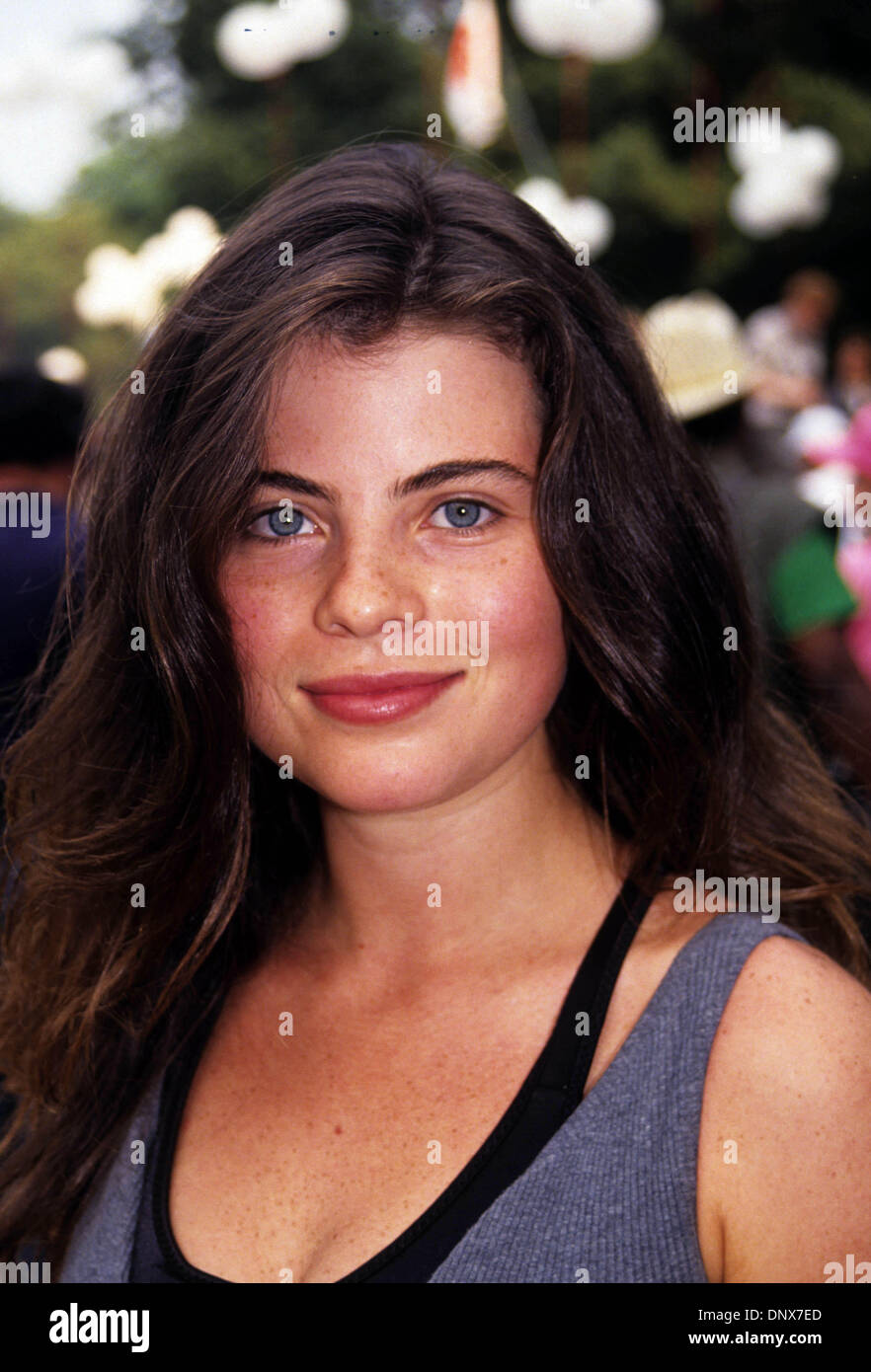 Yasmine Bleeth Nude Photos 31