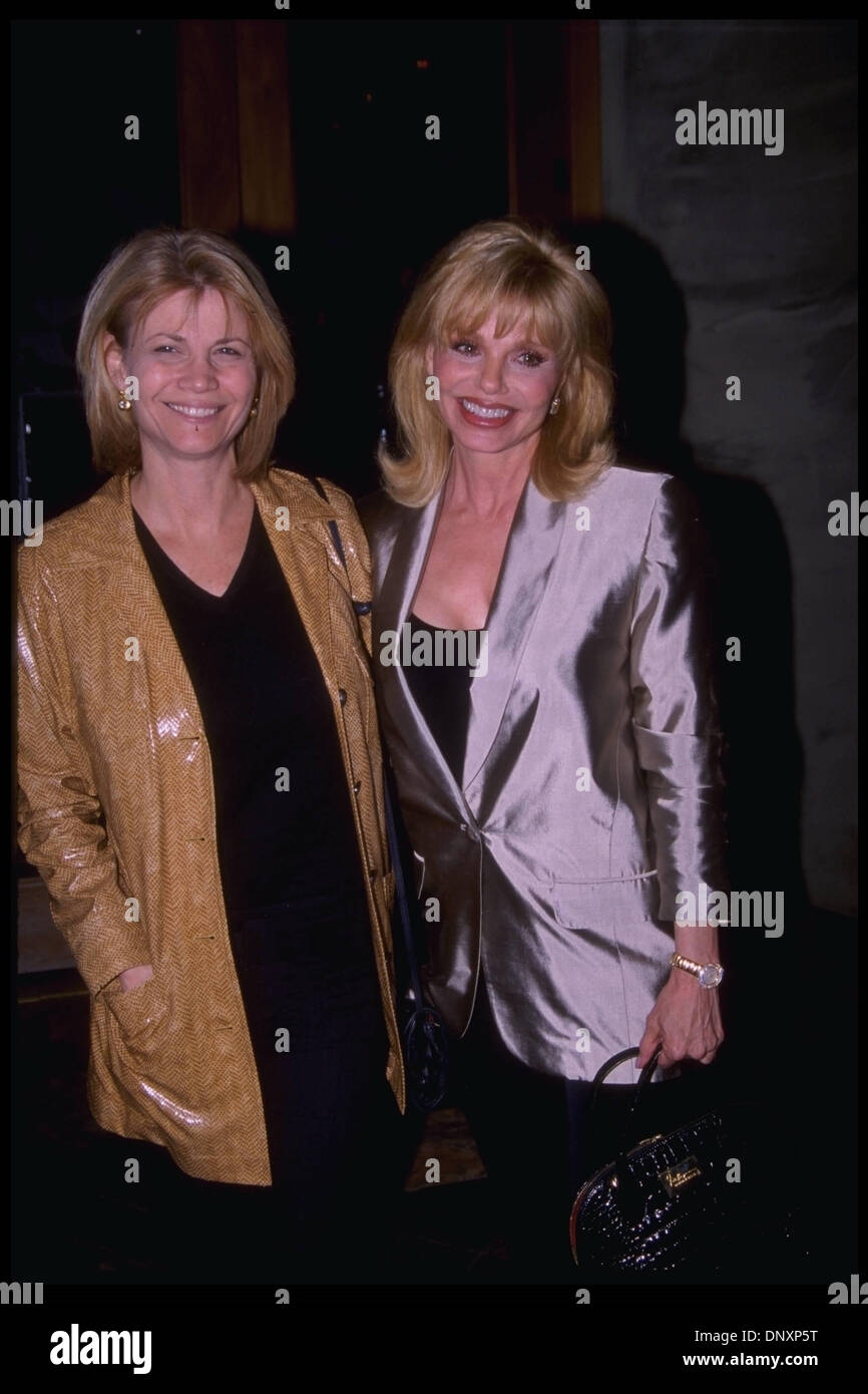 April 23, 1998;  Hollywood, CA, USA;  MARKIE POST and LONI ANDERSON are shown together at Spago's Restaurant.  (Michelson-Leabres/1998) Mandatory Credit: Photo by Michelson/ZUMA Press. (©) Copyright 2006 Michelson - Stock Image