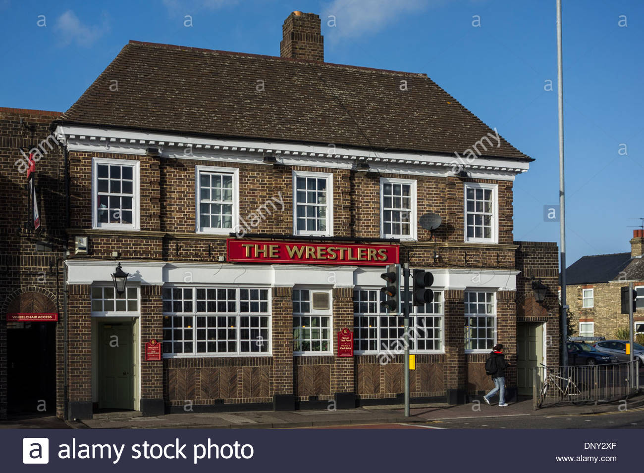 The Wrestlers public house in Newmarket Road, Cambridge, England, selling Thai Food and Cask Ales - Stock Image