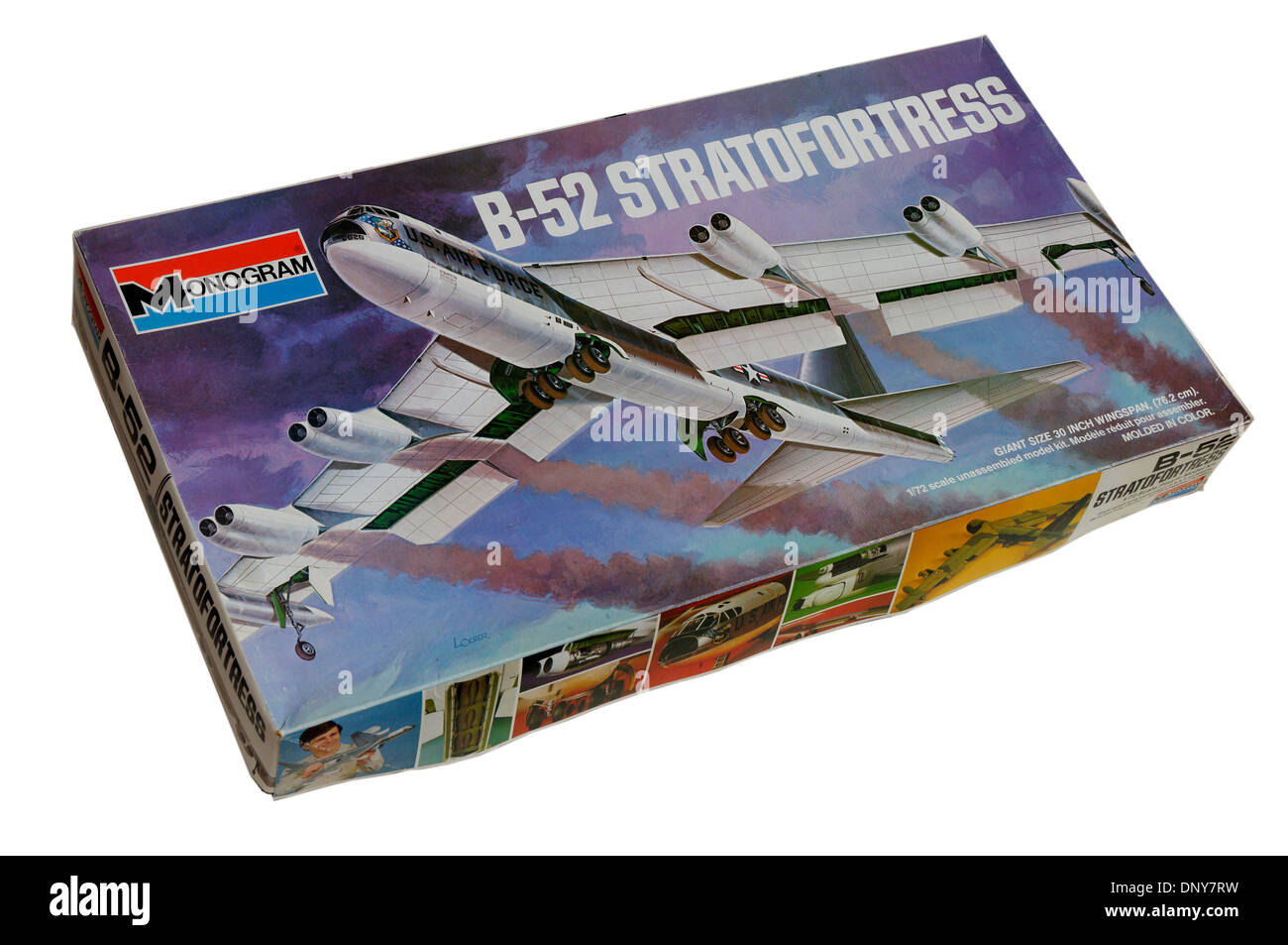 a 1 72nd scale boeing b 52 stratofortress plastic scale model kit