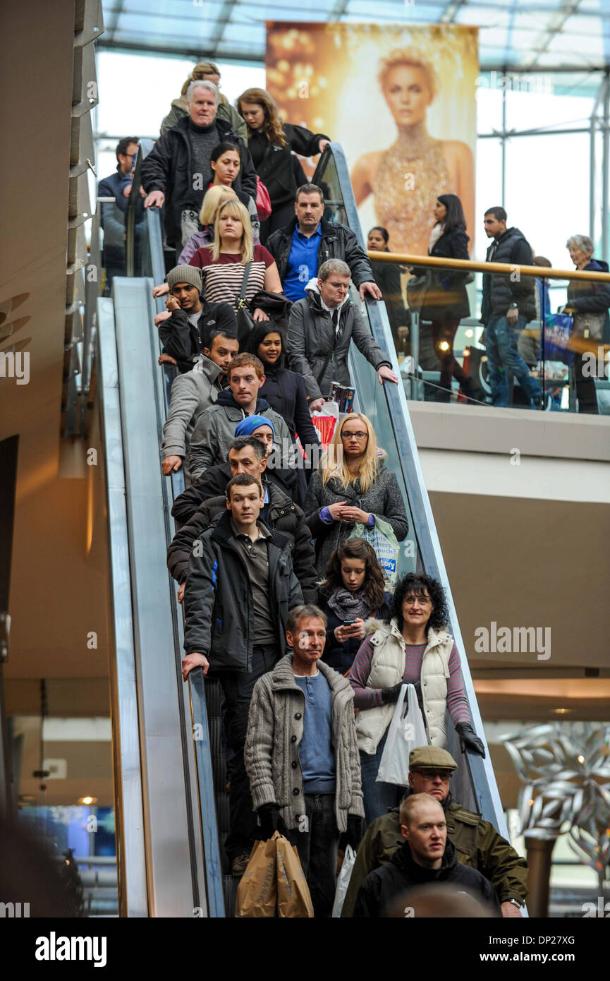 Crowds of shoppers looking for Christmas presents in the Bullring Shopping Centre - Stock Image