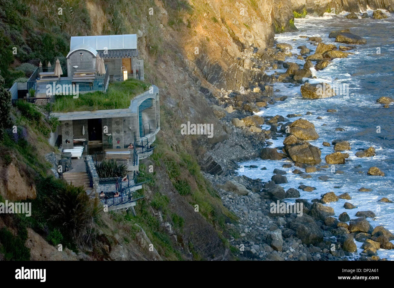 May 24, 2006; Sacramento, CA, USA; The baths at Esalen Institute in Big Sur are built right into the ocean cliffs Stock Photo