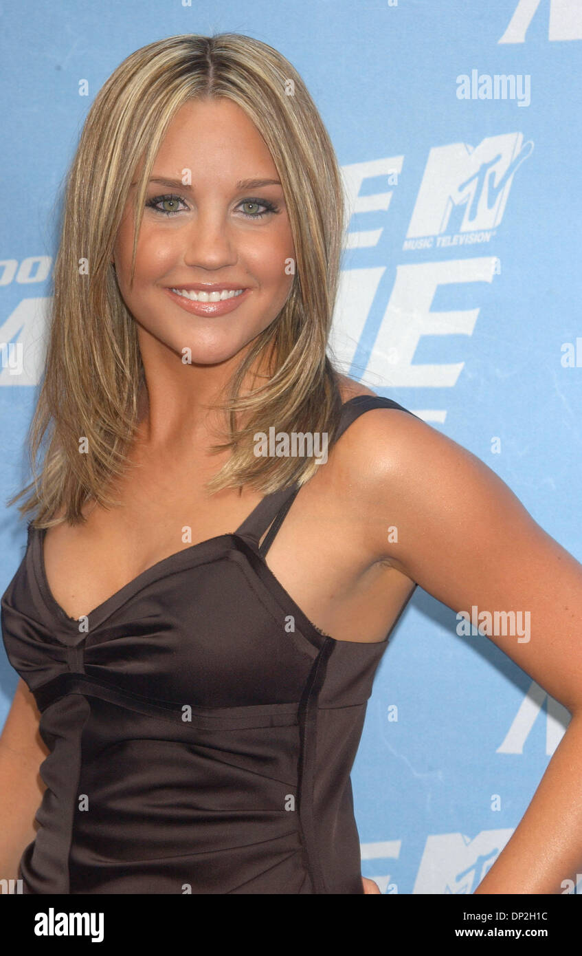 100 Pictures of Amanda Bynes 2006