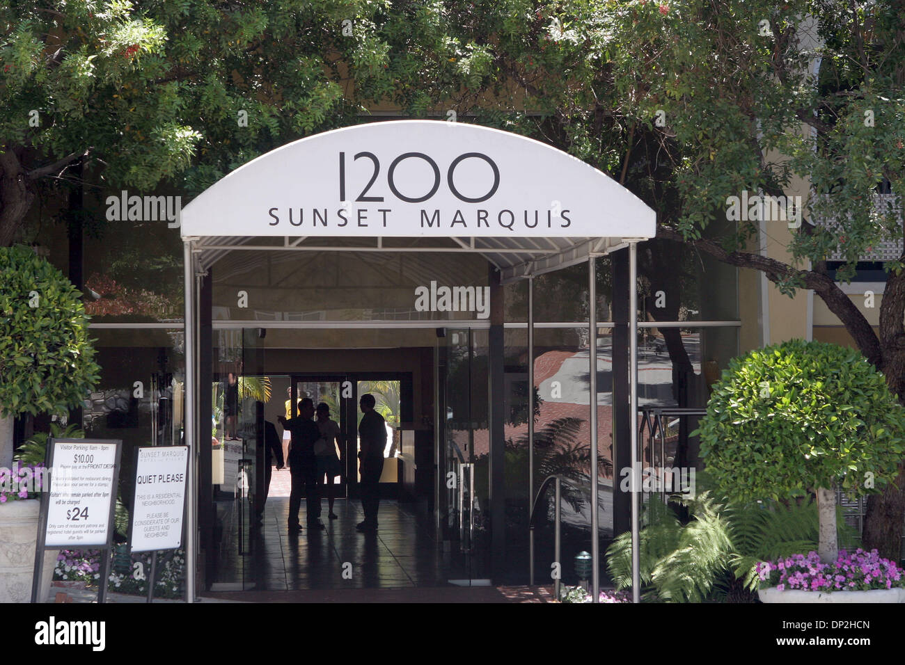 Jun 04, 2006; Hollywood, CA, USA; This boutique hotel caters to a rock-n-roll social scene and the late-rising set. It has evolved into ground zero for visiting rockers since opening in 1963 on the hem of the Sunset Strip. Perhaps it's the on-site recording studio or mysticism of nearby live-music institutions like the Whisky and Roxy that lure a laundry list of celebs, including t - Stock Image