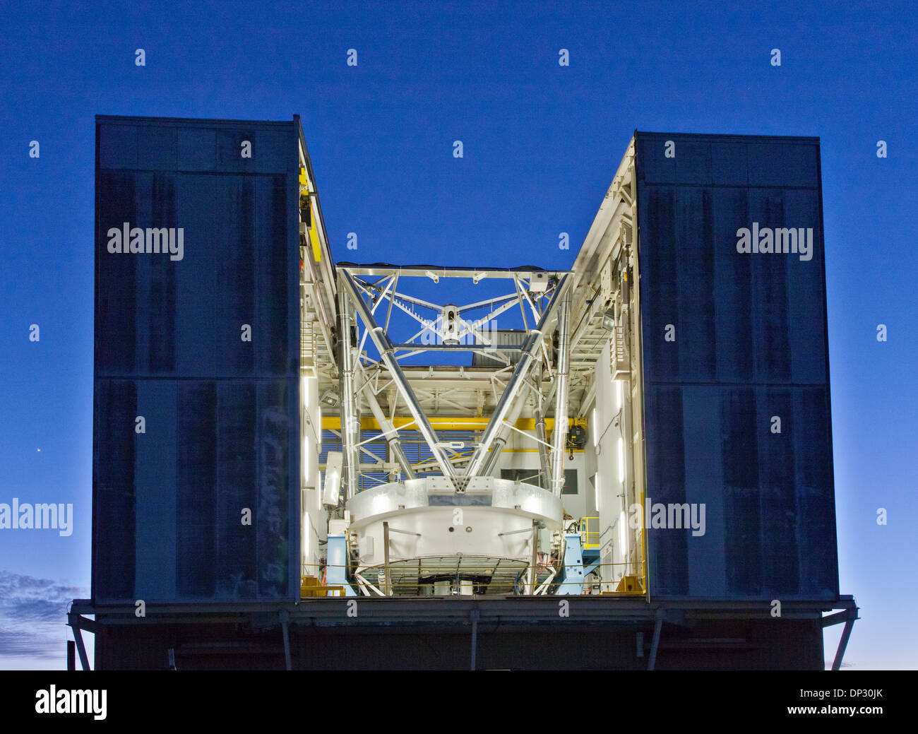 6.5m Optical Telescope, MMT Observatory. - Stock Image